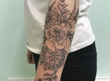 Tattoo Blumen Arm Permanent Art