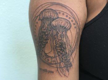 Tattoo Qualle Arm Permanent Art