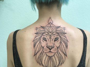 Tattoo Löwe Rücken Permanent Art