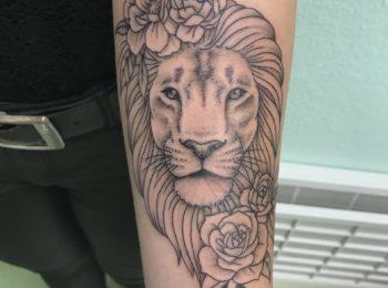 Tattoo Löwe Unterarm Permanent Art